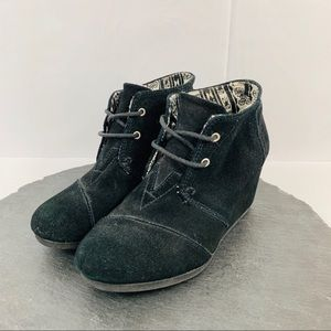 Toms black suede wedges size 7M